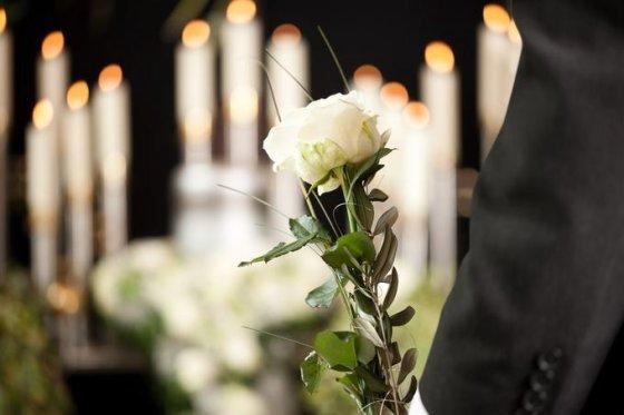 laidojimo paslaugos vilniuje, kiek kainuoja laidotuves
